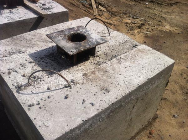 Фундамент Ф-2 600 под флагшток или светофор (с фланцем) - фото